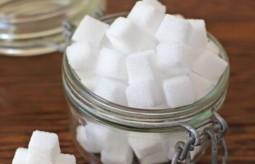 Cukier dzieci nie krzepi – o szkodliwości białego curku