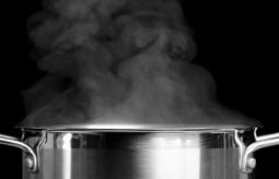Niebezpieczne naczynia kuchenne powszechnie stosowane