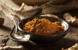Kurkuma – apetyczna przyprawa i… naturalny antybiotyk