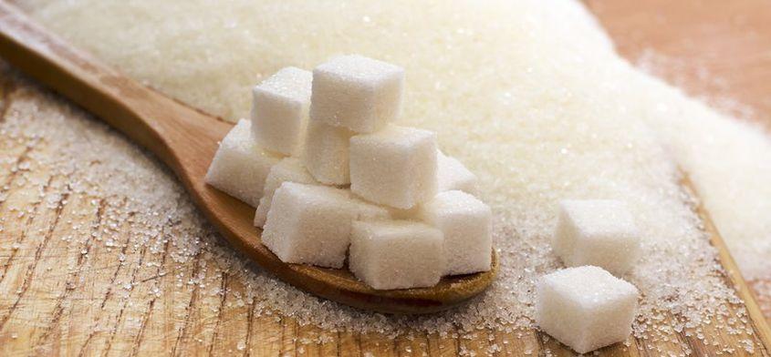 30 produktów, których nie podejrzewasz, że zawierają cukier